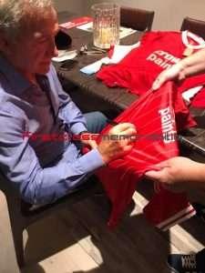 Graeme Souness signing Autographs