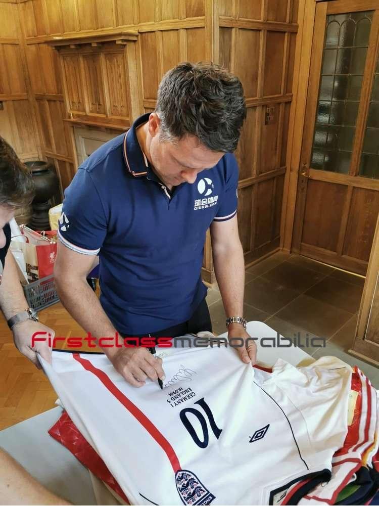 Michael owen autographs england