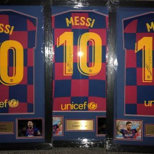 Lionel Messi Autograph Barcelona football strip #10 signed