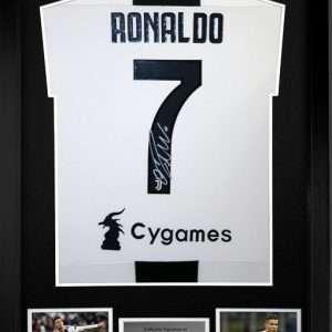 Cristiano Ronaldo signed Juventus Home #7 Football shirt