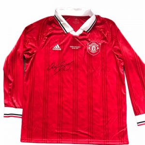 Ryan Giggs signed Man United Treble Winners football shirt