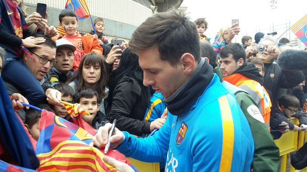 Lionel Messi Autographs Signed Messi Memorabilia Barcelona signing autographs