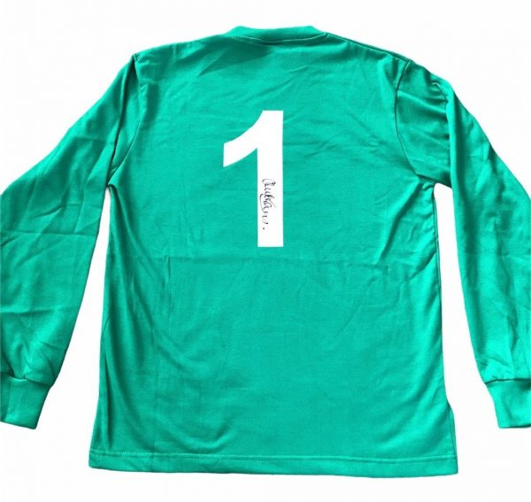 Alex Stepney Manchester United signed Goalkeeper shirt