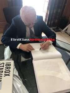willie henderson signing autographs
