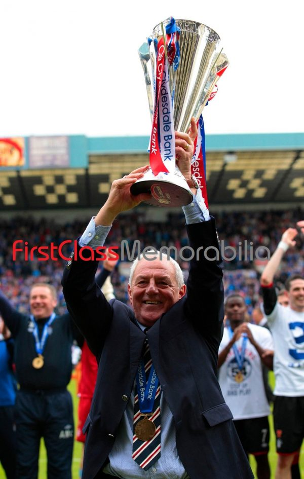 """Walter Smith Celebrating Rangers trophy photo 12x16"""" (Unsigned)"""